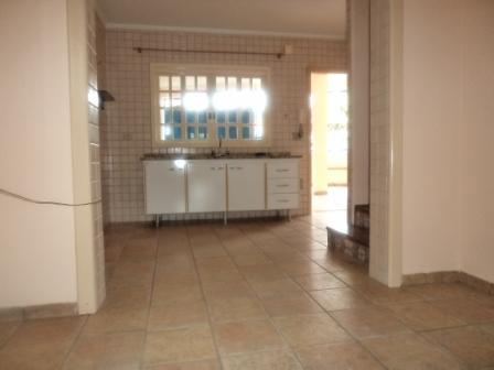 Casa Padrão Centro 3 dormitorios 3 banheiros 2 vagas na garagem
