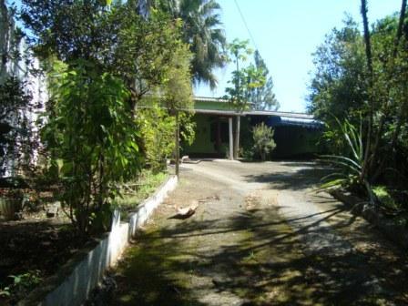 Chácara Aceita permuta na Cidade 2 dormitorios 2 banheiros 6 vagas na garagem